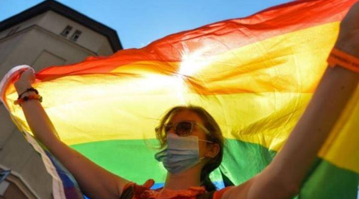 """Qué son las """"zonas libres de LGBT"""" de Polonia, la polémica iniciativa que pretende acabar con la """"ideología gay"""" en el país europeo"""