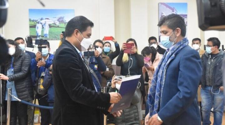 Trabajadores de la CNS suspenden protesta tras posesión de nuevo gerente