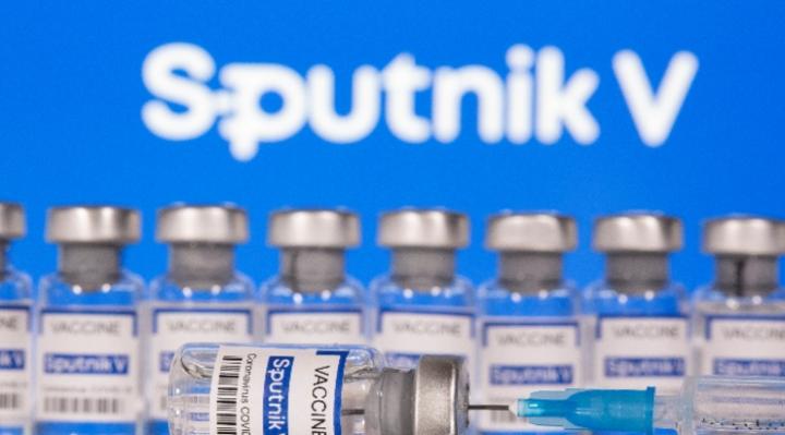 Gobierno admite que sólo recibirán 2.470.000 de vacunas rusas y señala  que reprogramarán el cronograma
