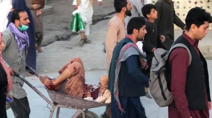 Reportan una explosión con varias víctimas en el aeropuerto de Kabul