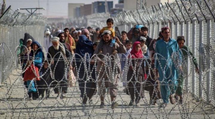Pakistán, la ruta alternativa de los afganos que huyen del Talibán y Estado Islámico
