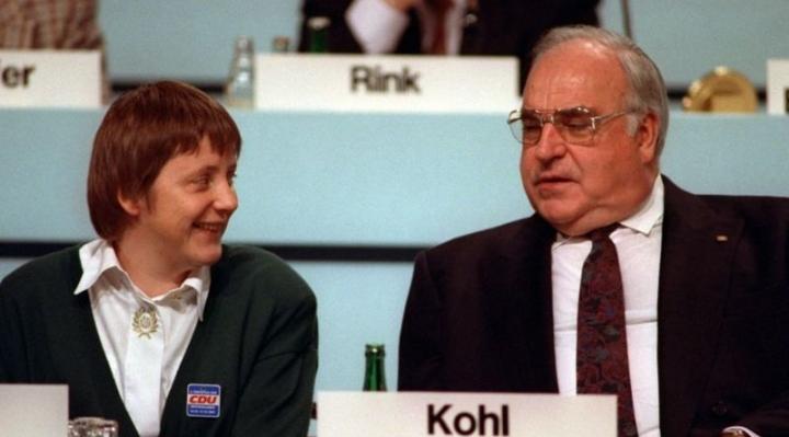 """Angela Merkel: 4 momentos clave que definen sus 16 años como canciller de Alemania y """"reina de Europa"""""""