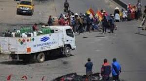 Fiscalía y Gobierno se acusan de no dar curso a aprehensiones de autores de bloqueo de caminos