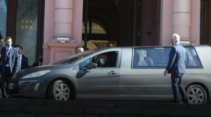 Tras los incidentes, terminó el velatorio de Diego Maradona en la Casa Rosada