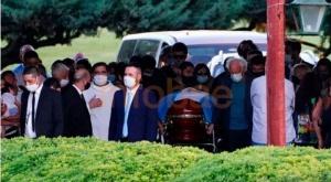 El último adiós a Diego Maradona: familiares y amigos lo despidieron en una ceremonia íntima