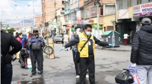Empezó bloqueo epidemiológico en Miraflores con estricto control en cinco sectores del perímetro