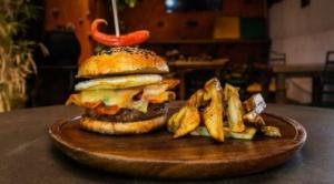 """Más de 60 nuevas hamburguesas inéditas son parte de """"Burger Week Bolivia"""""""
