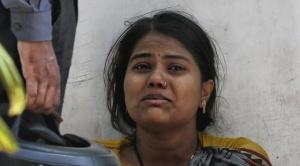 """""""Dondequiera que mires hay ambulancias y cadáveres"""": cómo la Covid devasta al estado más poblado de India"""