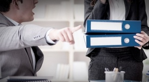 Arce presenta anteproyecto de ley para sancionar el acoso laboral 1