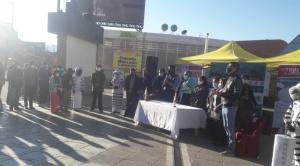 """Arias inicia la jornada de la """"megavacunación"""" en la plaza Camacho; los ciudadanos deberán cumplir 2 requisitos"""