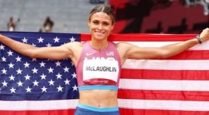 """Cómo es la pista elástica (y el """"supercalzado"""") que ayuda a lograr récords mundiales en atletismo"""