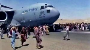 Afganistán | Al menos 7 muertos en el aeropuerto de Kabul ante la desesperación de querer huir del Talibán