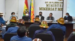 Cooperativistas incumplen acuerdo para levantar bloqueos en el centro de La Paz