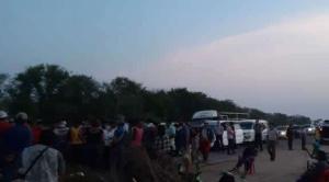 Ayoreos bloquean la carretera Santa Cruz-Trinidad; piden electrificación