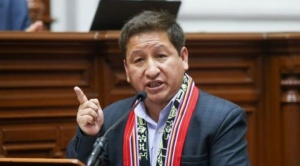 Perú: 3 claves para entender la sorpresiva renuncia de Guido Bellido a la presidencia del Consejo de Ministros