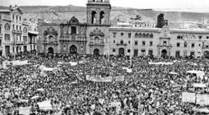 """En el Día de la Democracia, alcalde Arias alerta que las libertades """"están en riesgo"""""""