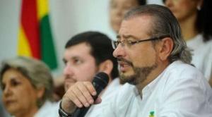 """Calvo llama """"trapo"""" a la wiphala y genera reacción del Gobierno que lo acusa de racista"""