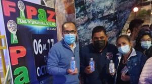 Rexona dona 60 mil  sanitizadores para los visitantes de la FIPAZ