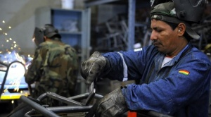Industriales proponen congelar salario mínimo en Bs  2.122 y ajustar el haber básico en 1,47% 1