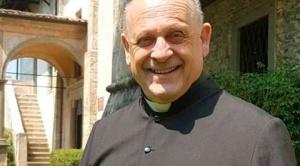 Muere un cura italiano que renunció a su respirador para dárselo a una persona más jóven